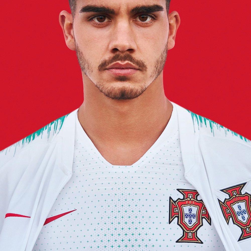 the best attitude 84b97 10258 Portugal's new kit 'in honour' of Cristiano Ronaldo