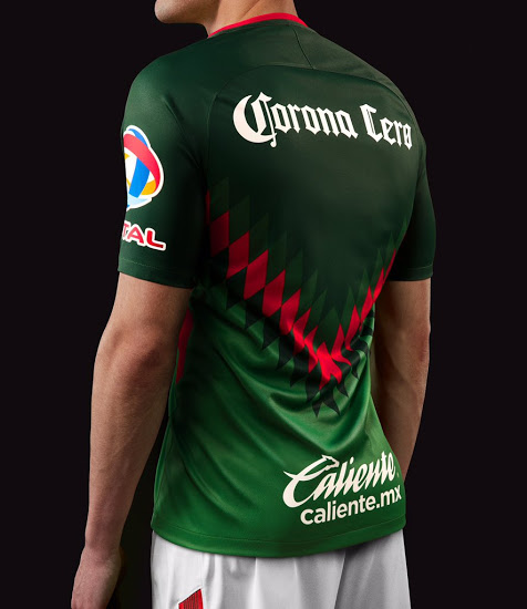 b6fb6a6da5f The design is the same as Club América's current home, away, and third kits.  The club's shield appears on the left side of the chest in the traditional  ...