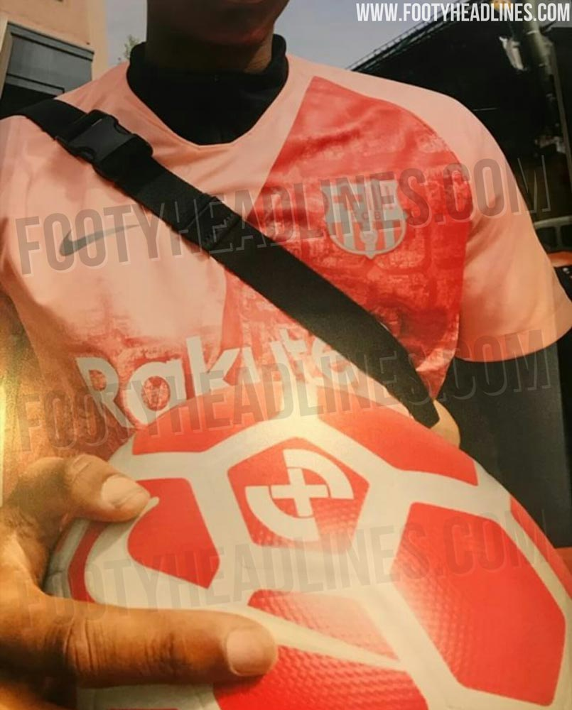 e98a5704d 📸 Leaked pictures show Barça s new third kit...and it s a peach