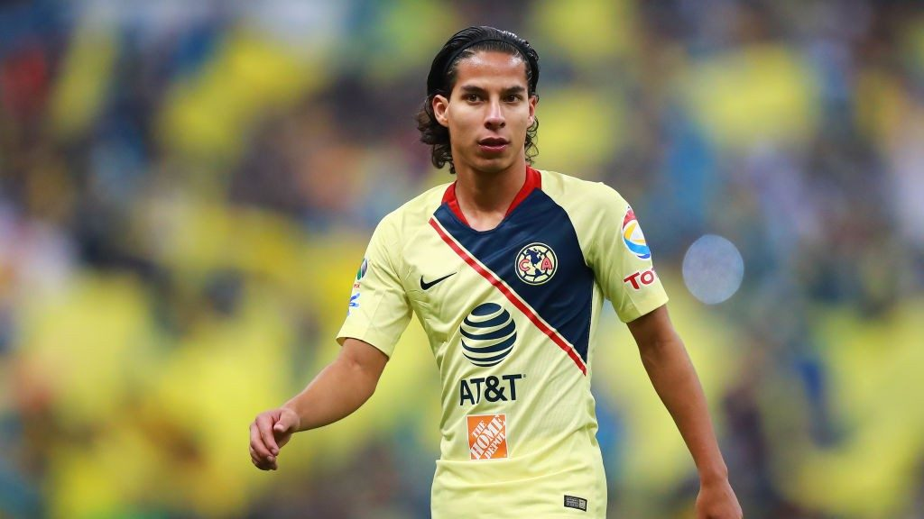 pretty nice a2f48 ab480 Real Betis vice president in Mexico to finalise Diego Lainez ...