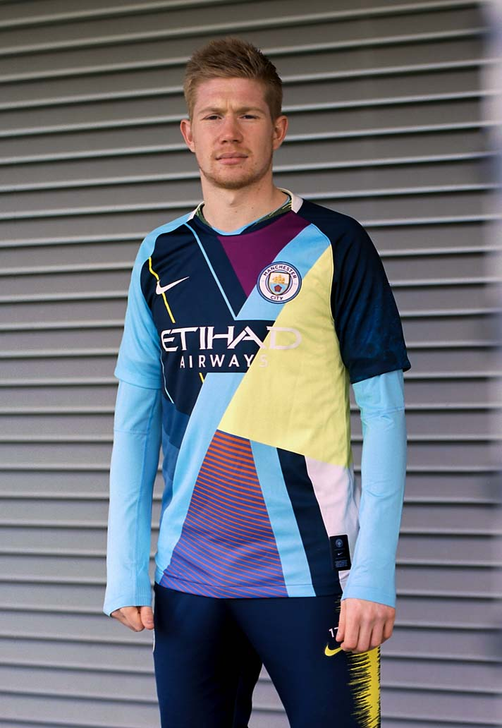 best service a890b 9b685 📸 Man City unveil 'mash-up' shirt that's not as awful as ...