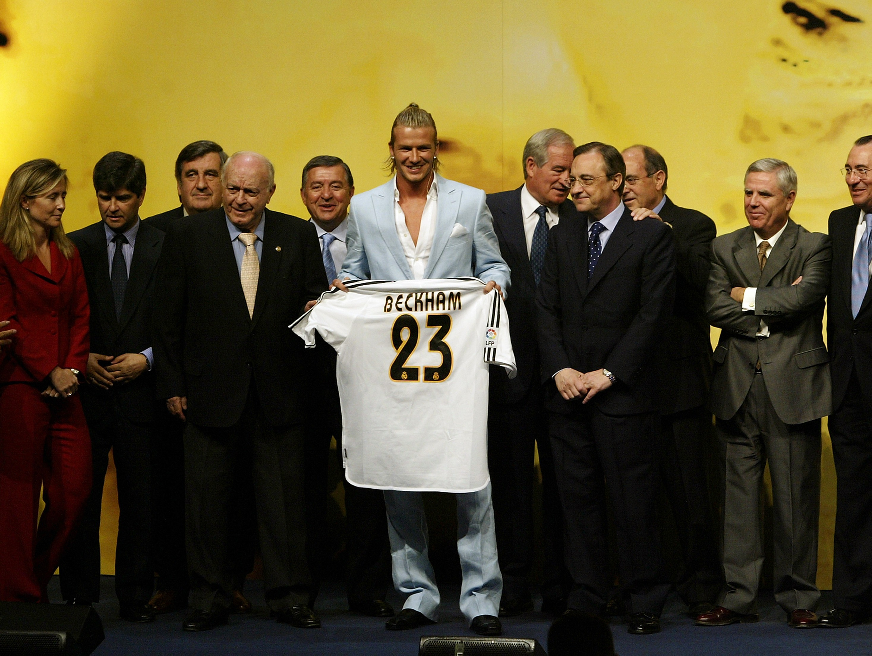 David-Beckham-signs-for-Real-Madrid-1562315648.jpg