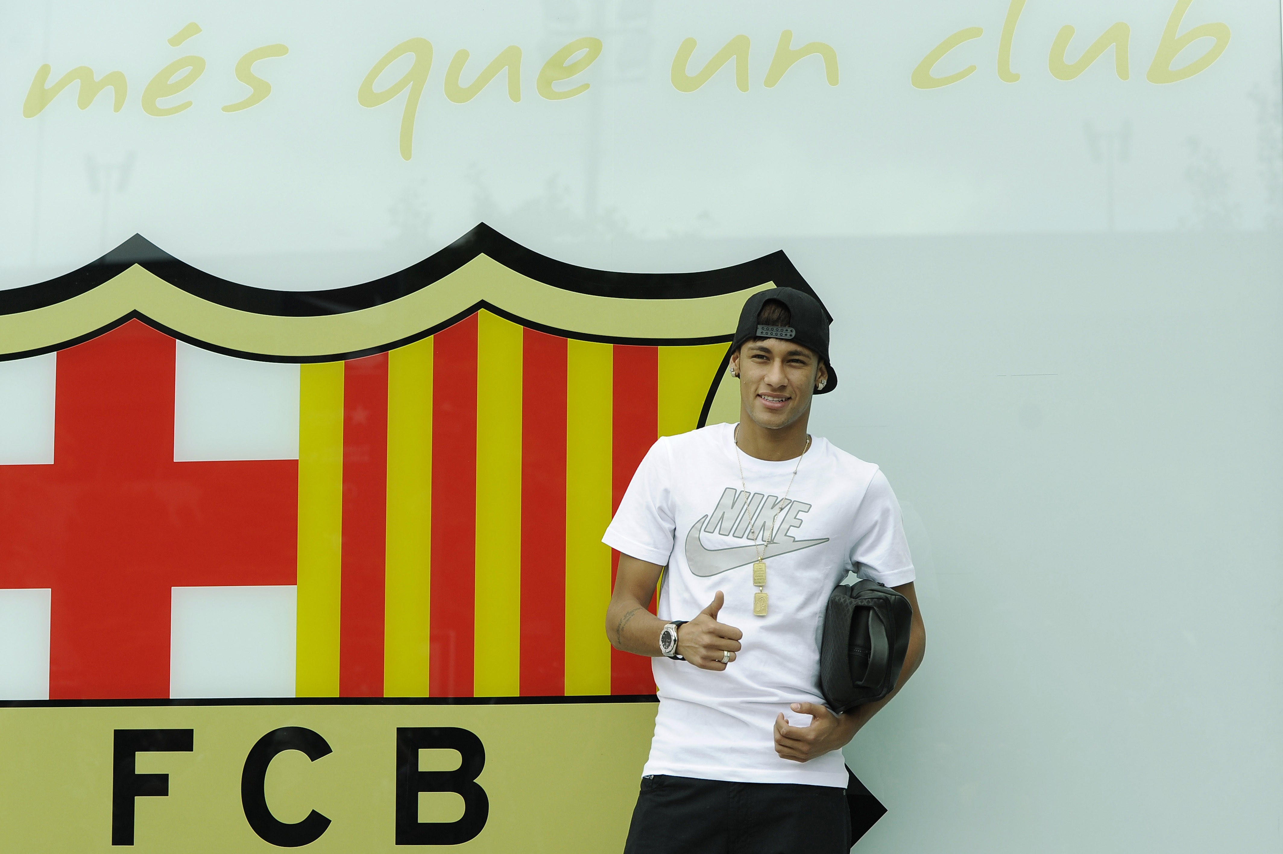 Neymar-Is-Unveiled-At-Camp-Nou-As-New-Barcelona-Signing-1562938864.jpg