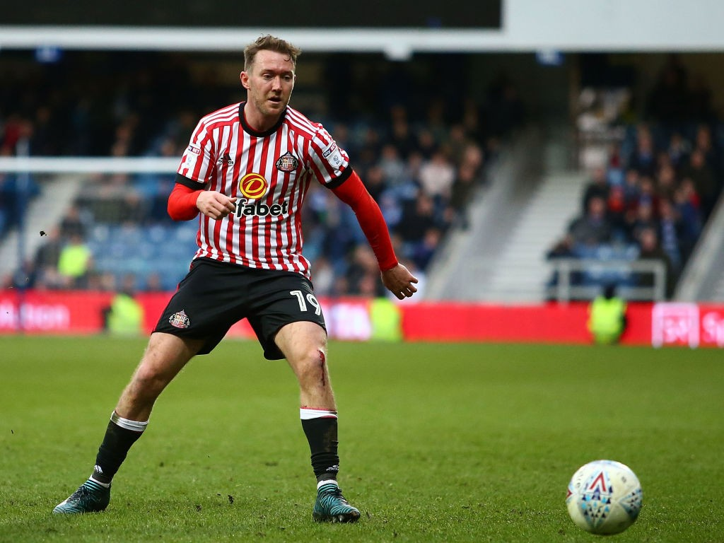 Sunderland boss positive over Aiden McGeady's fitness