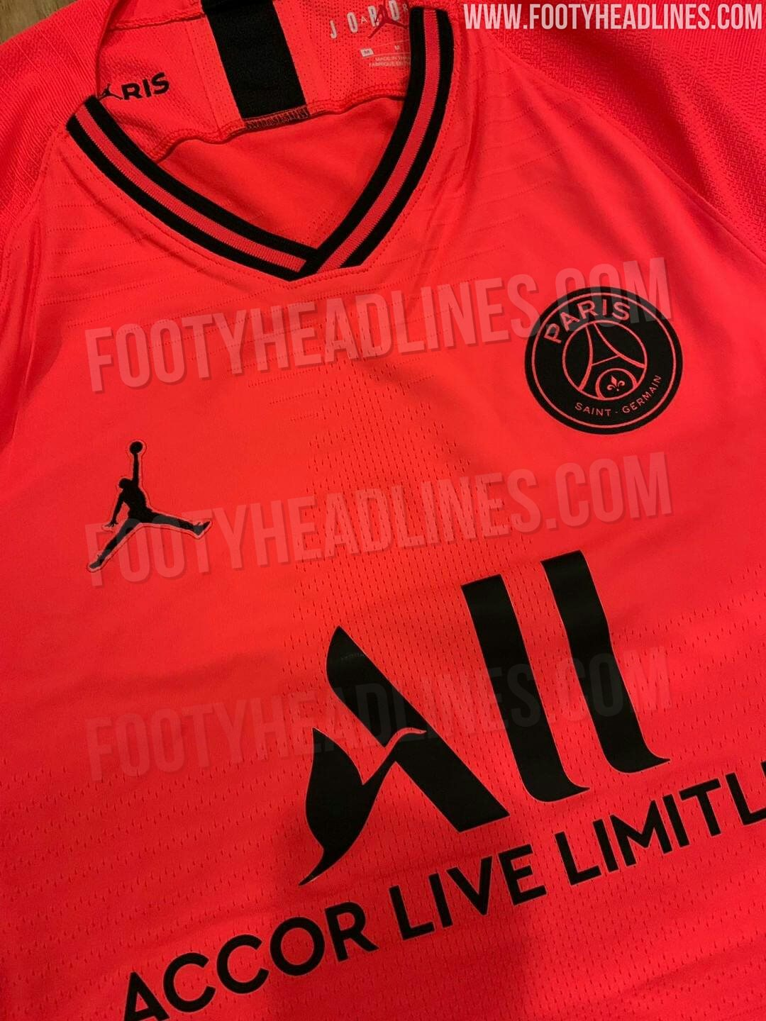 on sale 4029a 09738 📸 PSG's new away kit is certainly eye-catching 😳