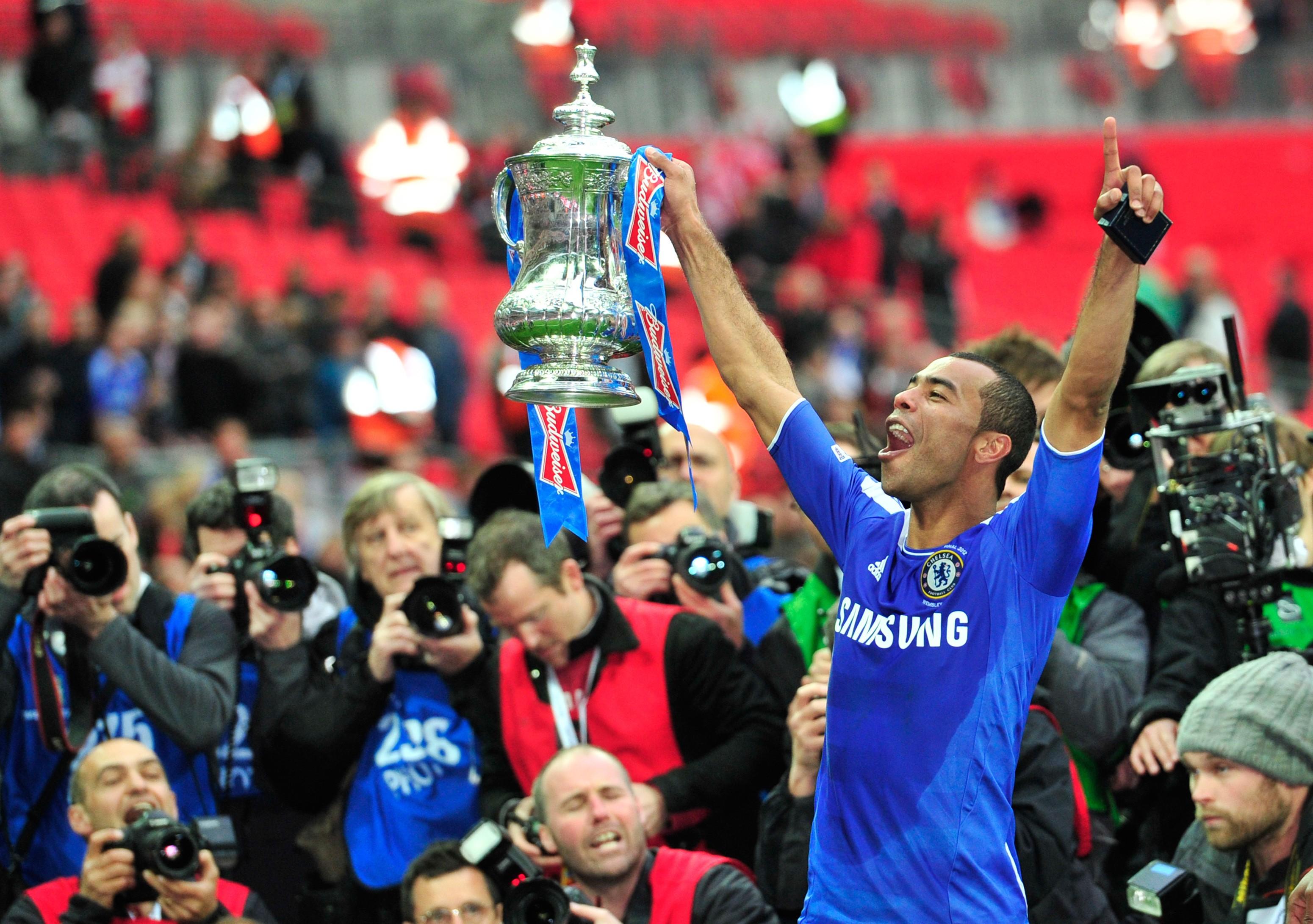 Chelseas-English-defender-Ashley-Cole-c-1566132354.jpg
