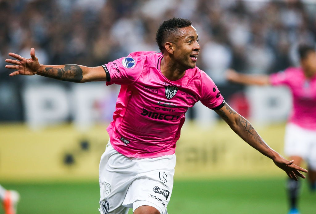 📝 Corinthians stunned 2-0 at home in Copa Sudamericana first leg