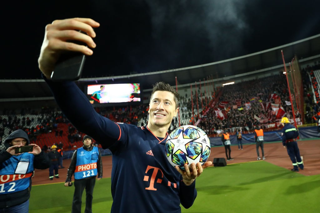 Crvena-Zvezda-v-Bayern-Muenchen-Group-B-UEFA-Champions-League-1574925702.jpg