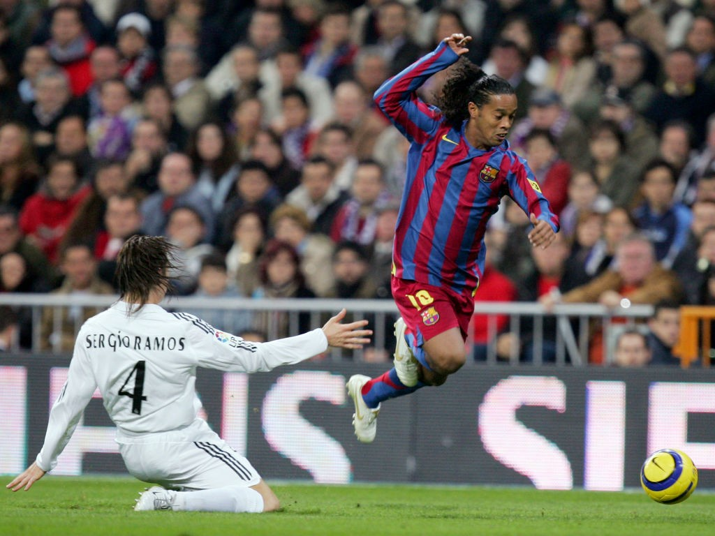 🎥 It's exactly 14 years since Ronaldinho owned Real Madrid