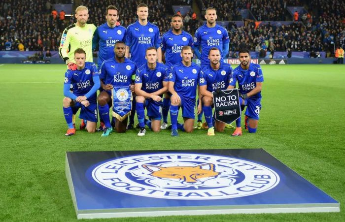 LEICESTER, ENGLAND - OCTOBER 18: Leicester City players line up for the team photos prior to the UEFA Champions League Group G match between Leicester City FC and FC Copenhagen at The King Power Stadium on October 18, 2016 in Leicester, England. (Photo by Michael Regan/Getty Images)