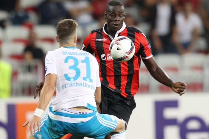 Nice's Italian forward Mario Balotelli (R) vies with Schalke's Serbian defender Matija Nastasic (L) during the UEFA Europa League football match between OGC Nice and FC Schalke 04 at the Allianz Riviera Stadium in Nice, Southeastern France, on September 15, 2016. / AFP / VALERY HACHE (Photo credit should read VALERY HACHE/AFP/Getty Images)