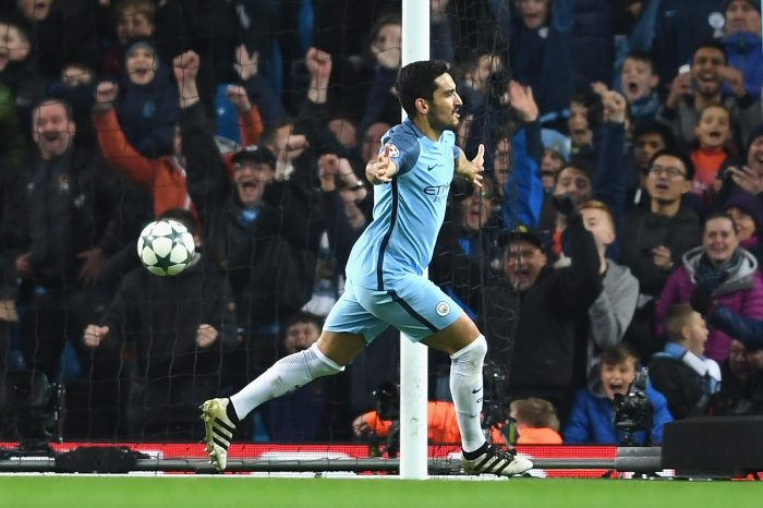 MANCHESTER, ENGLAND - NOVEMBER 01: Ilkay Gundogan of Manchester City celebrates scoring his sides third goal during the UEFA Champions League Group C match between Manchester City FC and FC Barcelona at Etihad Stadium on November 1, 2016 in Manchester, England. (Photo by Laurence Griffiths/Getty Images)