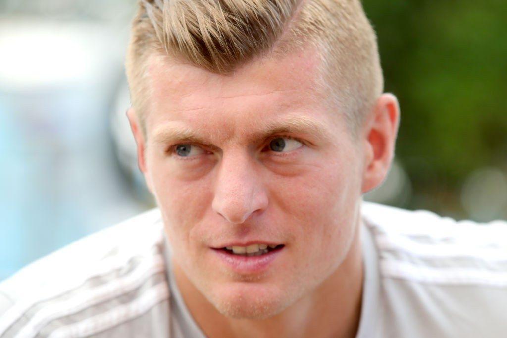 Dfb Update Kroos Kritisiert Teamgefuhl Draxler Hat Wohl Einen Knall