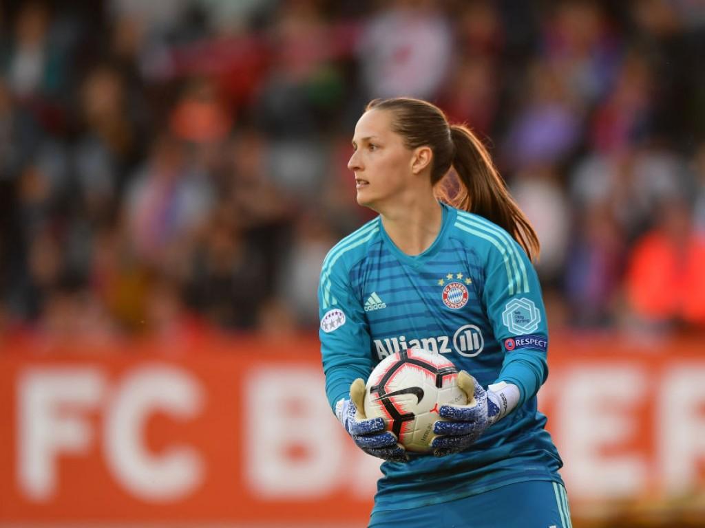 FCB-Frauen unterliegen knapp Barça, Lyon jagt vierten CL-Titel