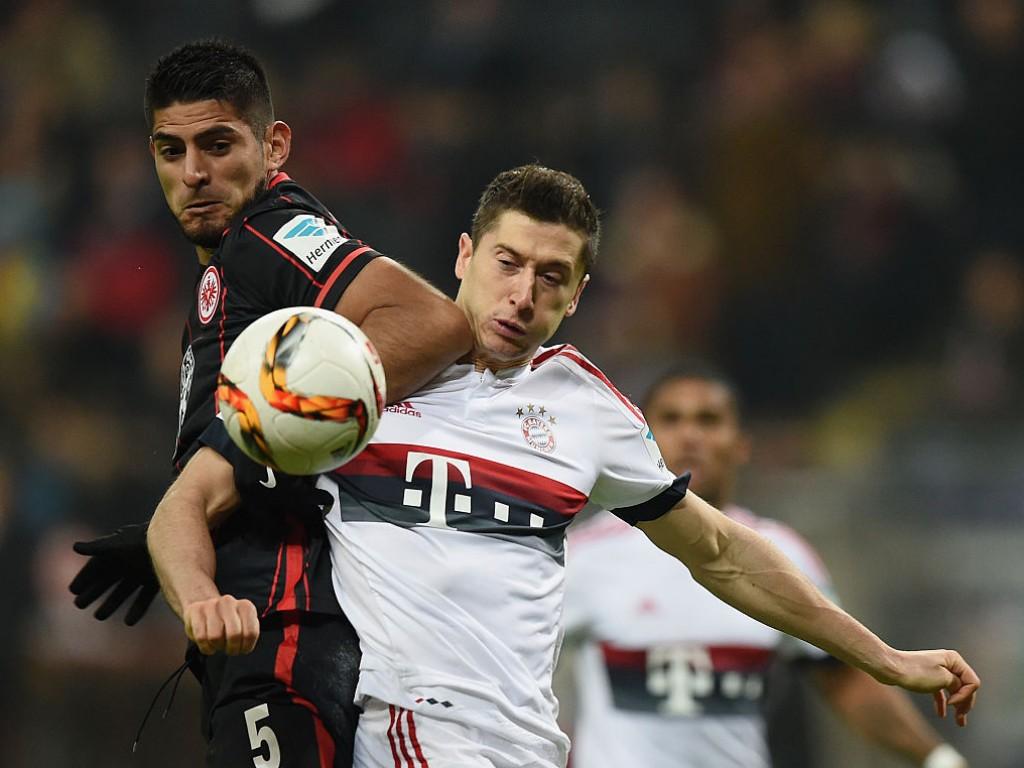 Holt Köln einen ehemaligen Eintracht-Verteidiger?