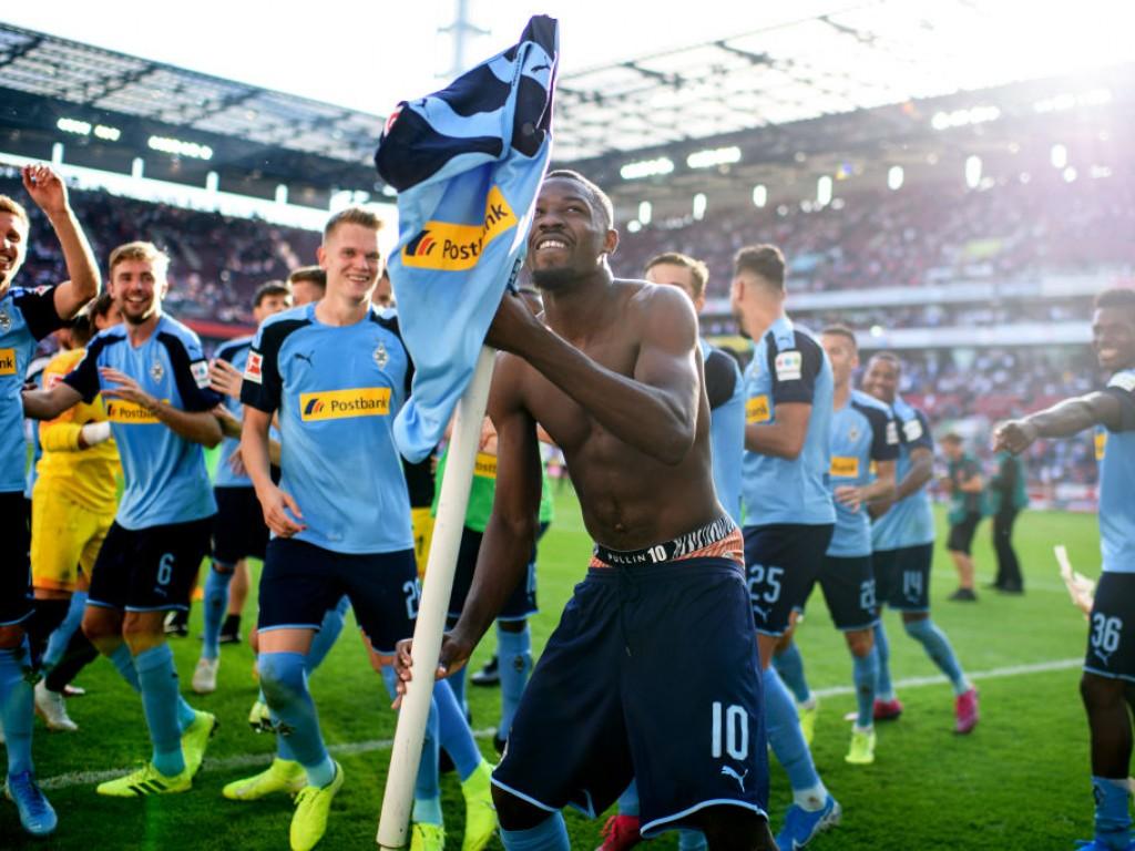🎥 So feiern die Fohlen-Anhänger den Derbysieg in Köln