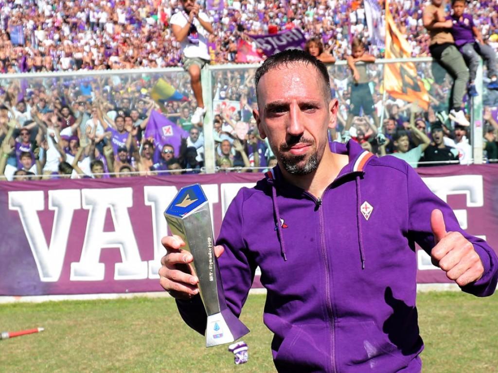 🎥 Schon jetzt der Liebling: Fans feiern Ribéry bei Autogrammstunde