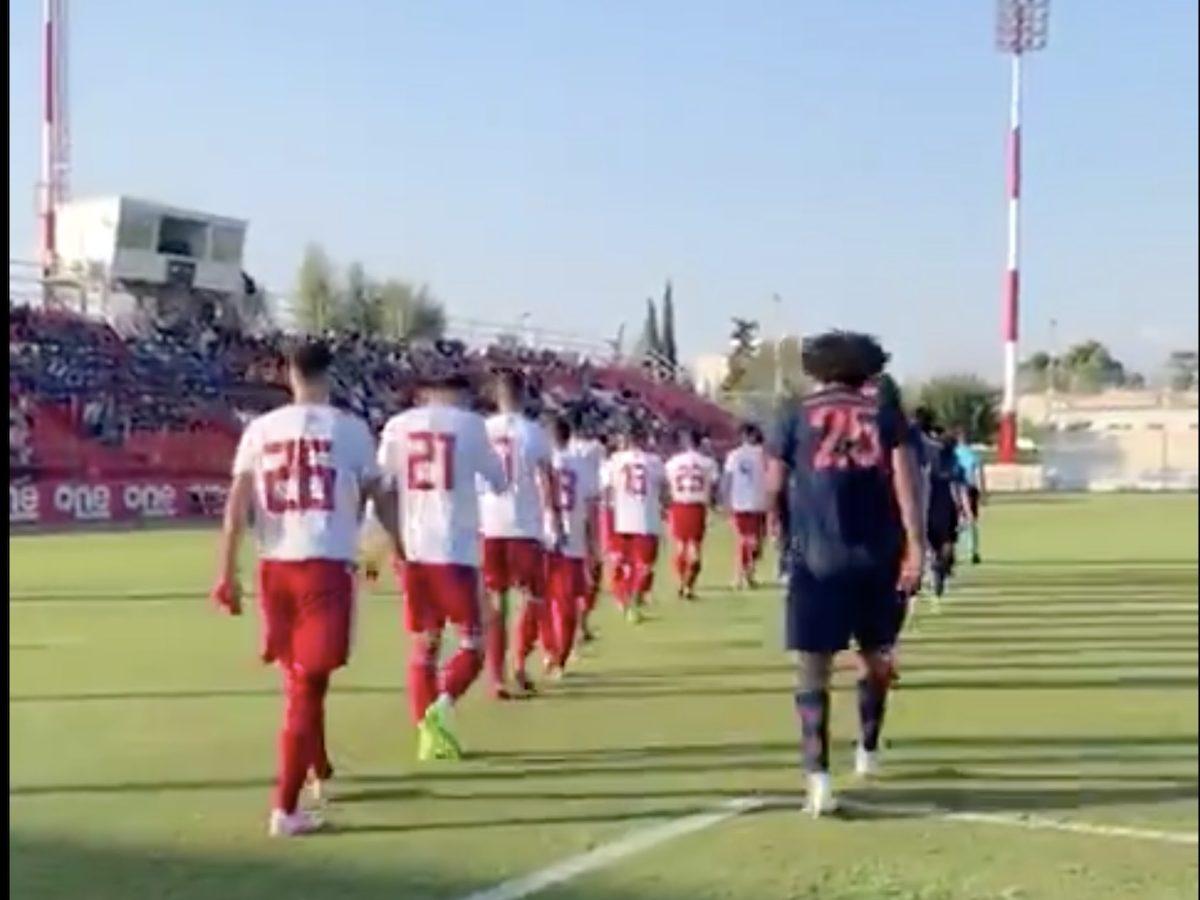 🎥 Randalierer attackieren Bayern-Fans, beide Teams reagieren super