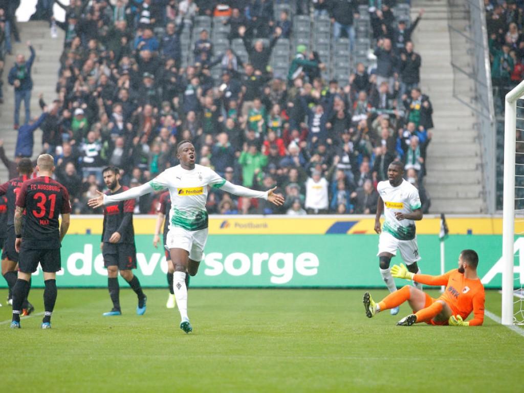 Borussia-Moenchengladbach-v-FC-Augsburg-Bundesliga-1570435280.jpg