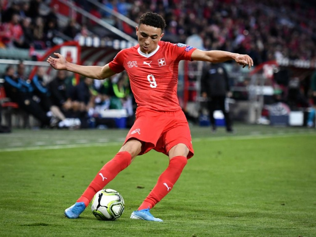 Augsburgs Vargas schießt die Schweizer U21 auf die Siegerstraße