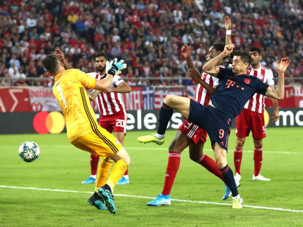 🚨 Bayern dreht Partie in Piräus, Real besteht am Bosporus