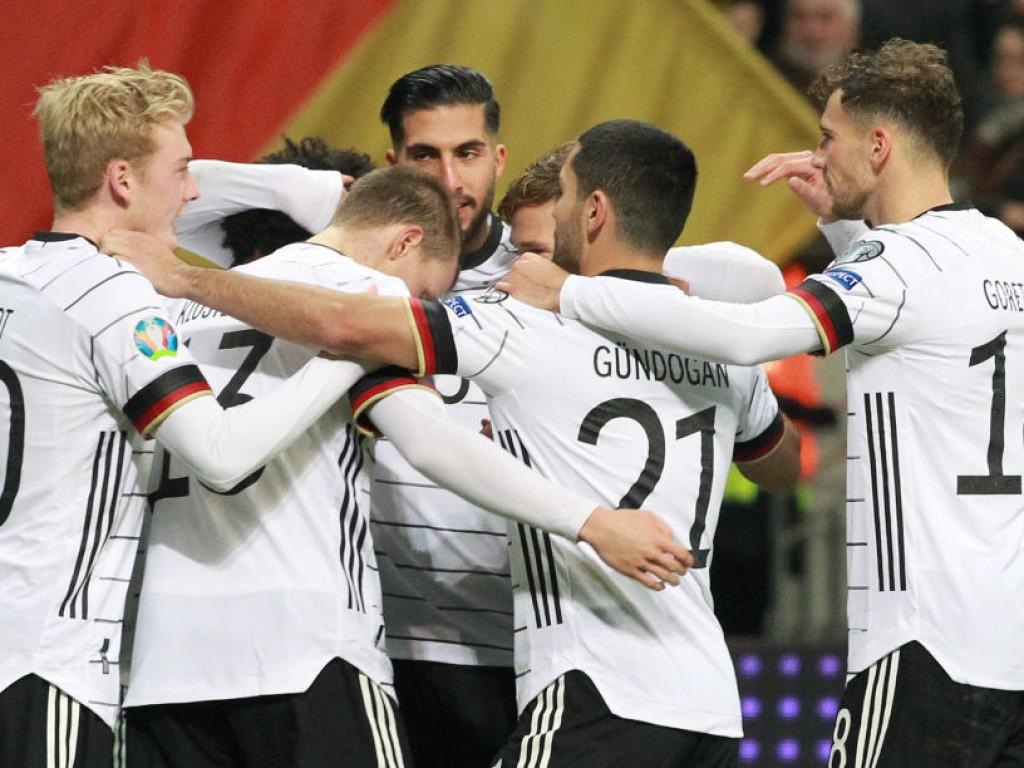 🚨 Dank Gnabry: Deutschland ballert sich zum Gruppensieg