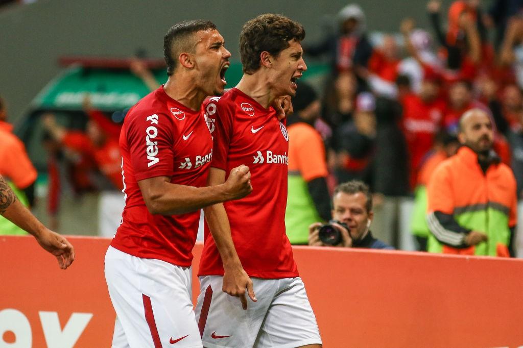 Internacional-v-Flamengo-Series-A-2018-1544001902.jpg