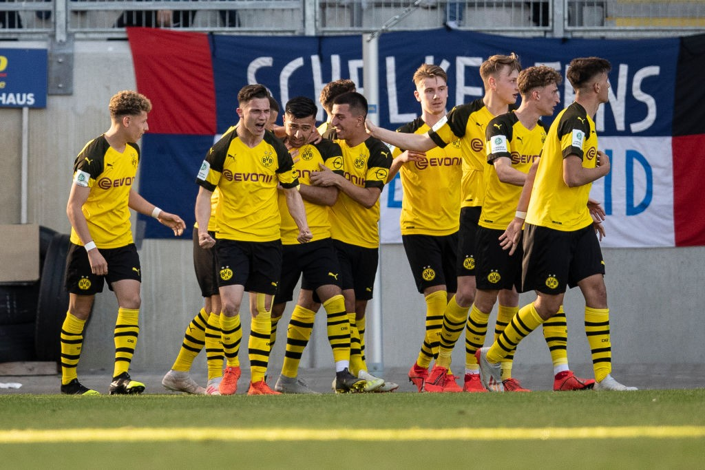 FC-Schalke-04-U-19-v-Borussia-Dortmund-U19-A-Juniors-German-Championship-Semi-Final-Leg-One-1558124170.jpg