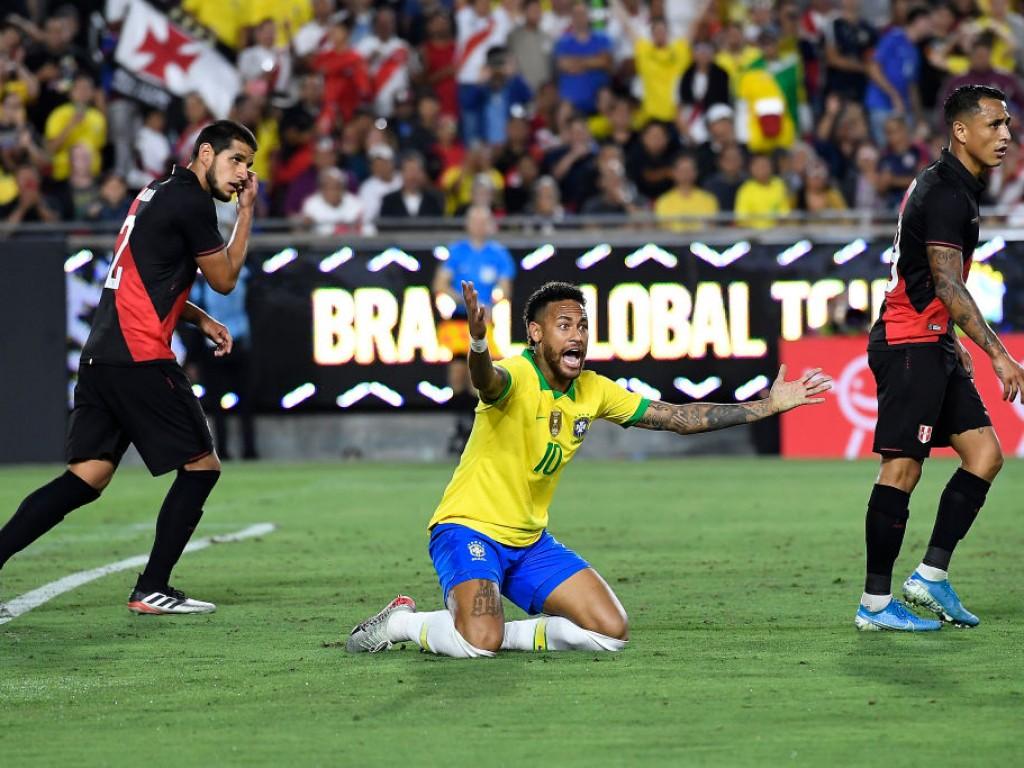 Brazil-v-Peru-2019-International-Champions-Cup-1568213145.jpg