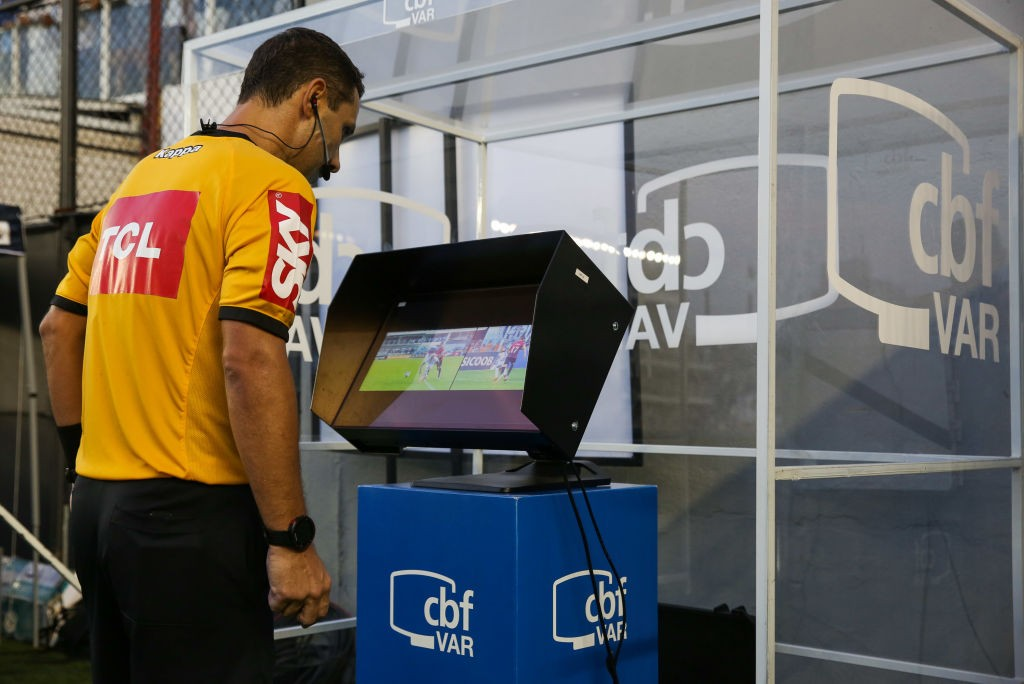 Santos-v-Athletico-PR-Brasileirao-Series-A-2019-1570670029.jpg
