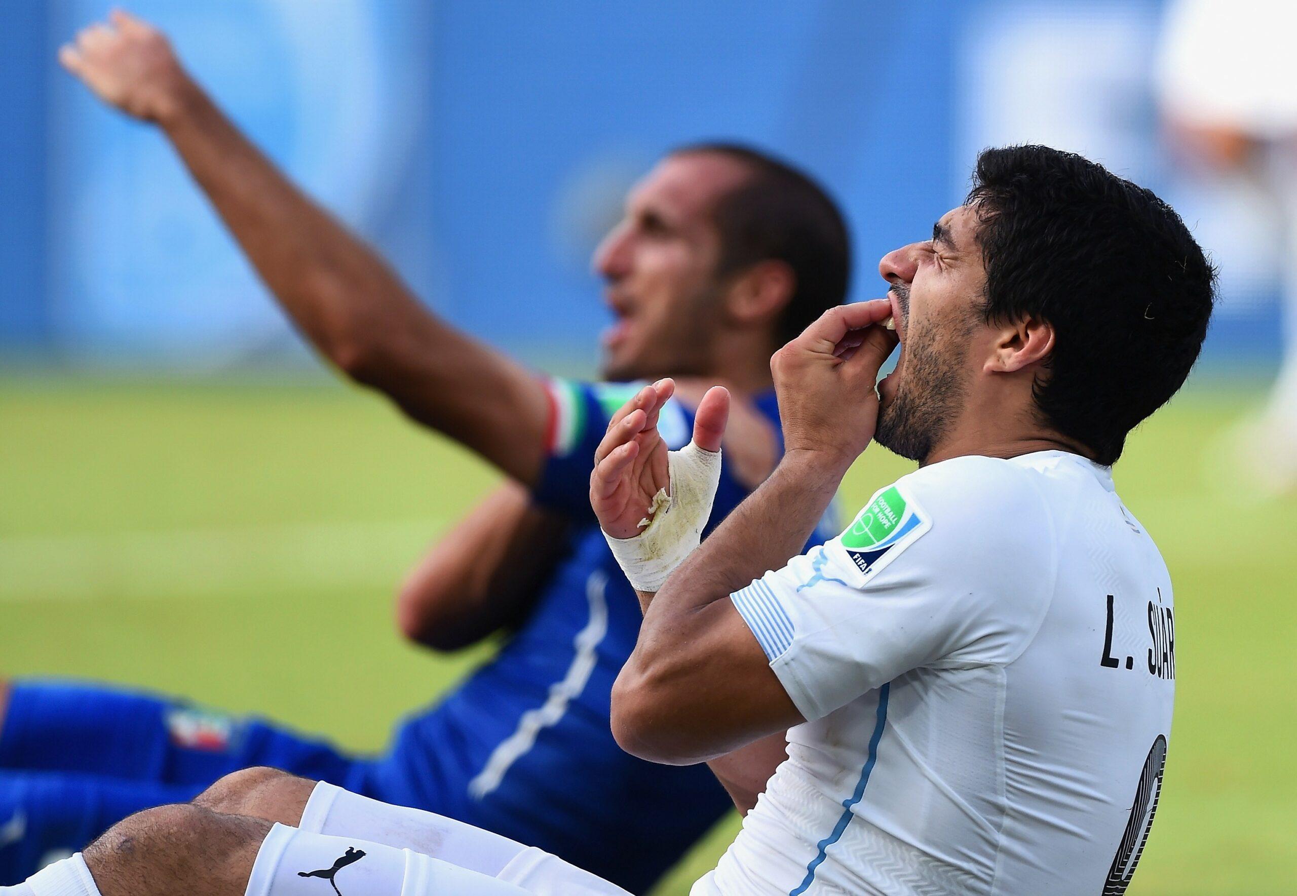 Italy-v-Uruguay-Group-D-2014-FIFA-World-Cup-Brazil-1581680002.jpg