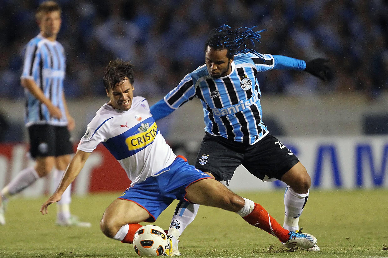 Carlos-Alberto-R-of-Brazils-Gremio-vi-1585173544.jpg