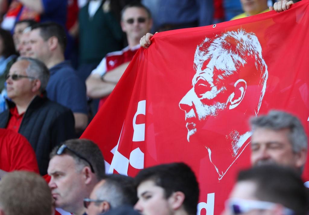 Wenger aurait reçu quatre offres, dont une du PSG
