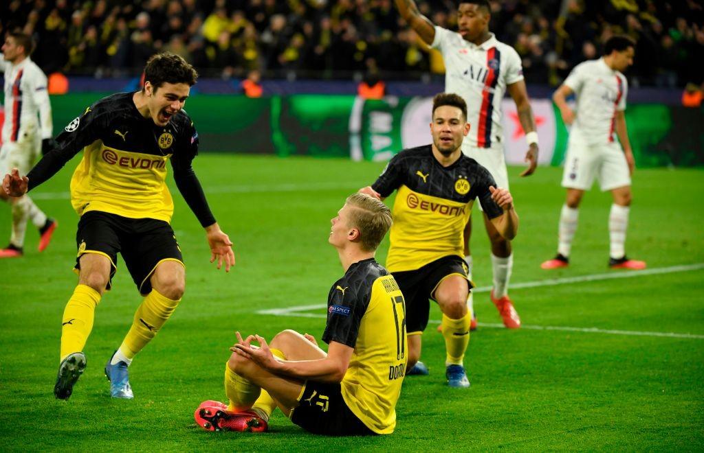 L'esultanza di Haaland dopo la rete del vantaggio; Borussia-PSG 1-0.